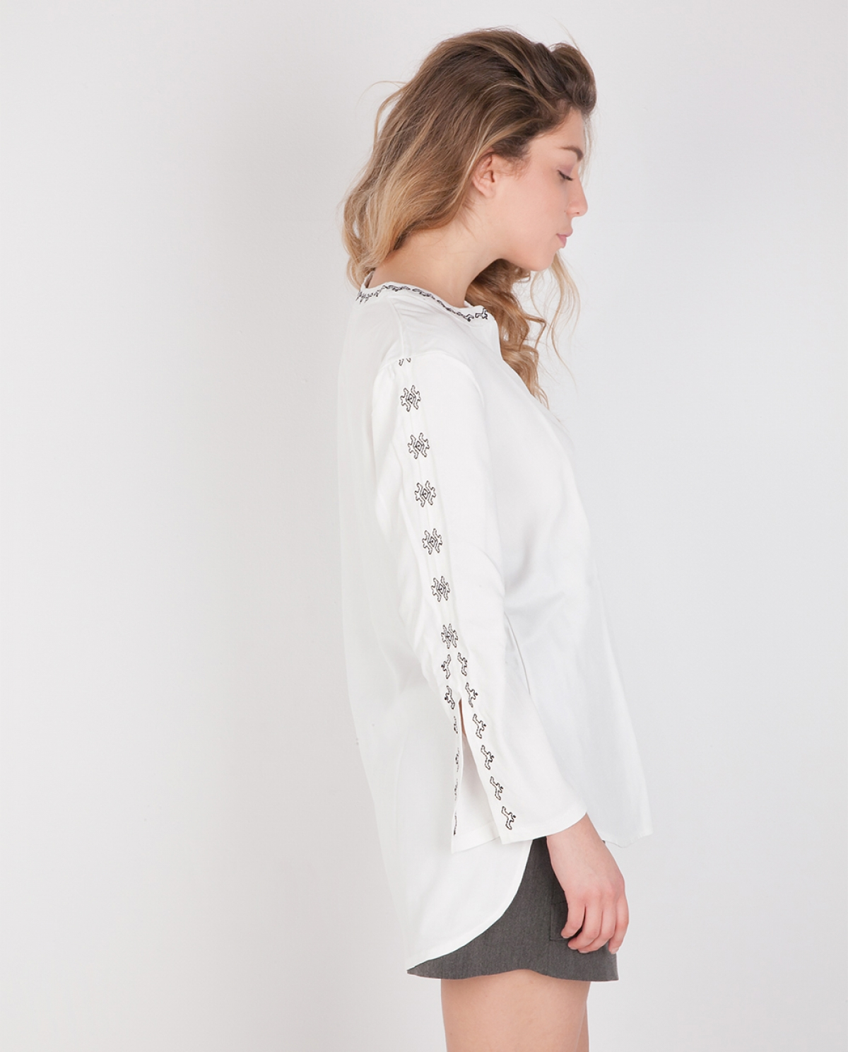 Amfipoli White Embroidered Blouse