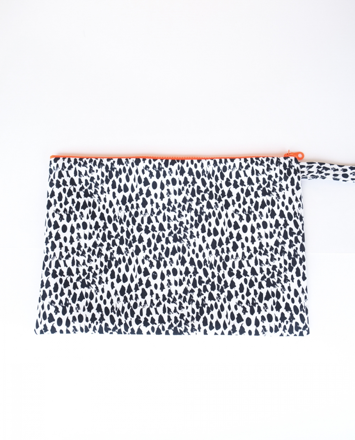 Anima Medium Clutch Bag