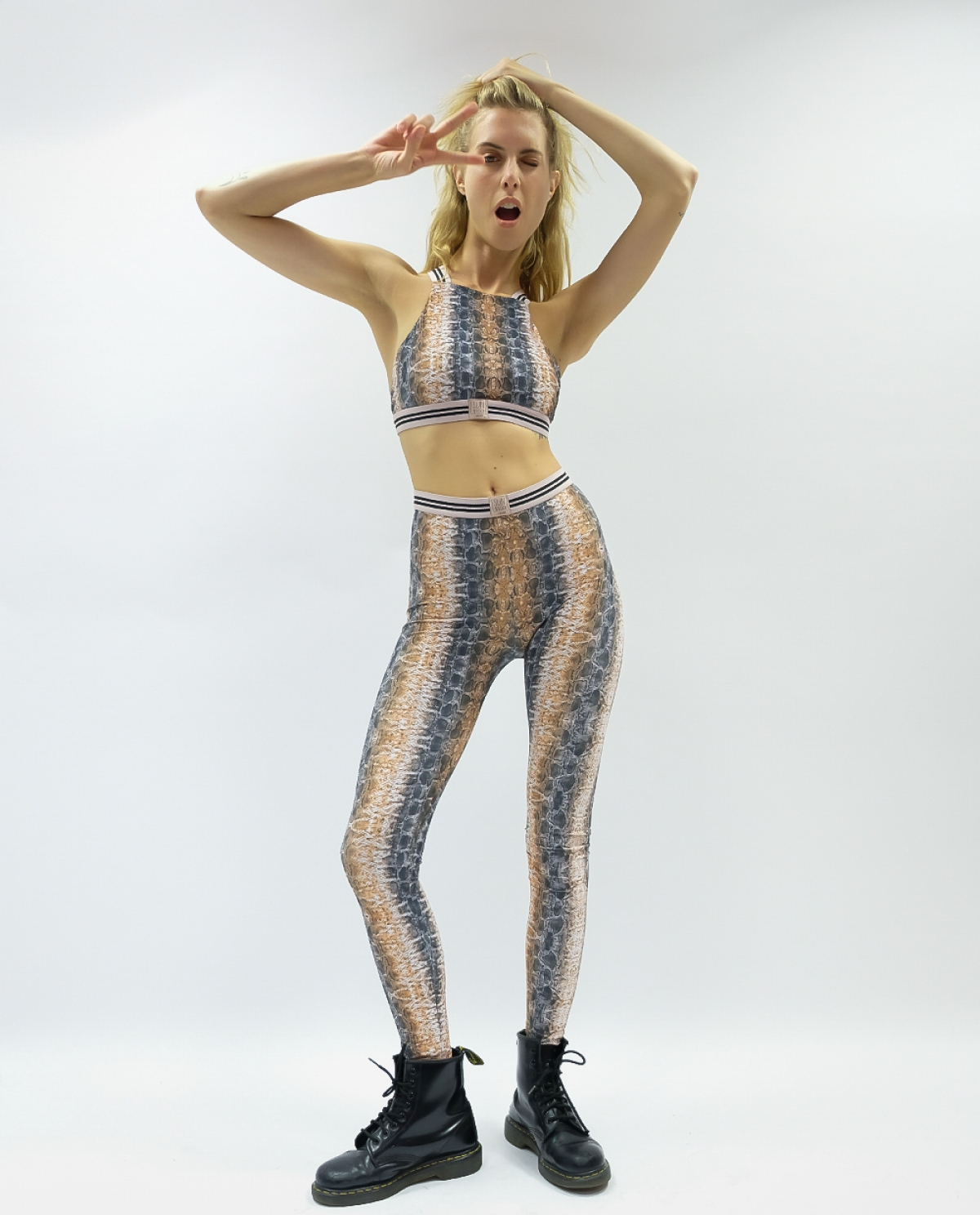Avonia Snake Leggings
