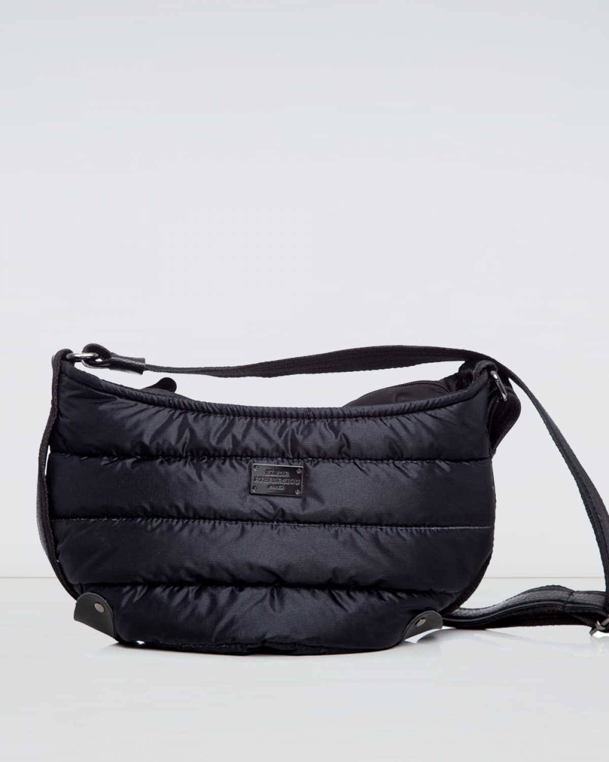 Black Puffer Large Bοdy Bag