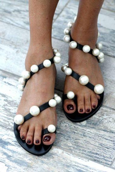 61e593320 Chantilly Black Sandals - Fashionnoiz