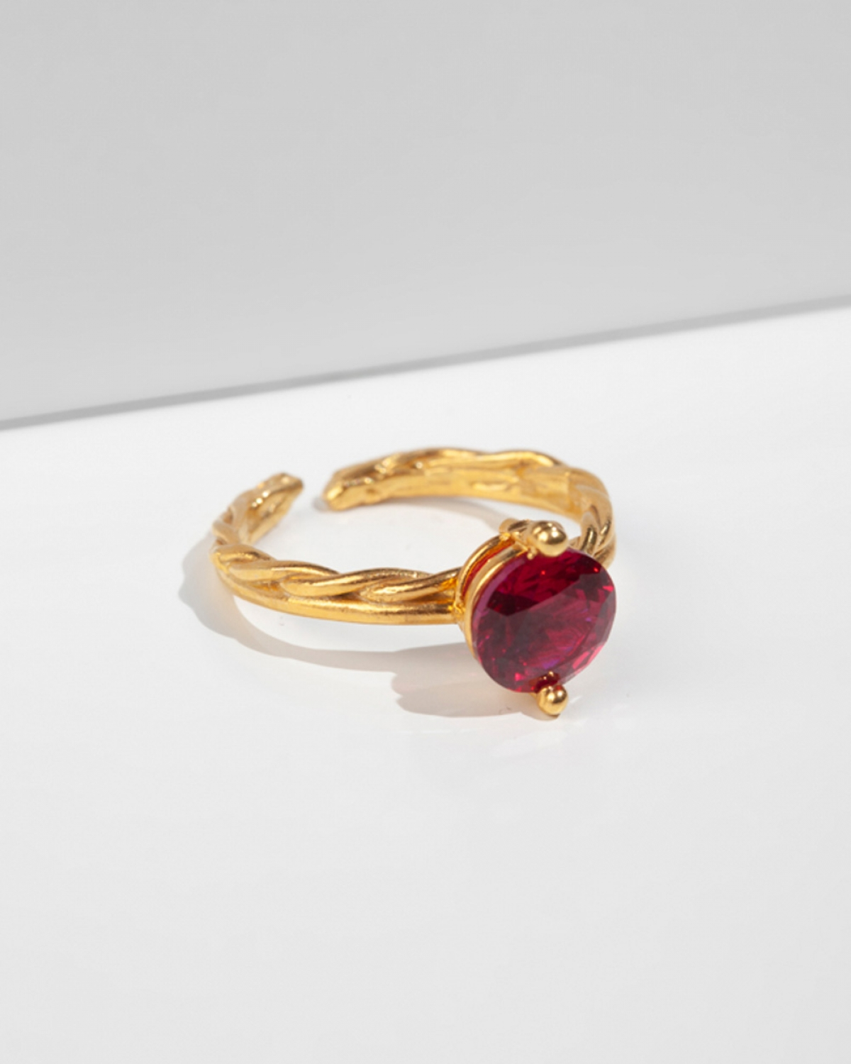DIANNA Red Ring