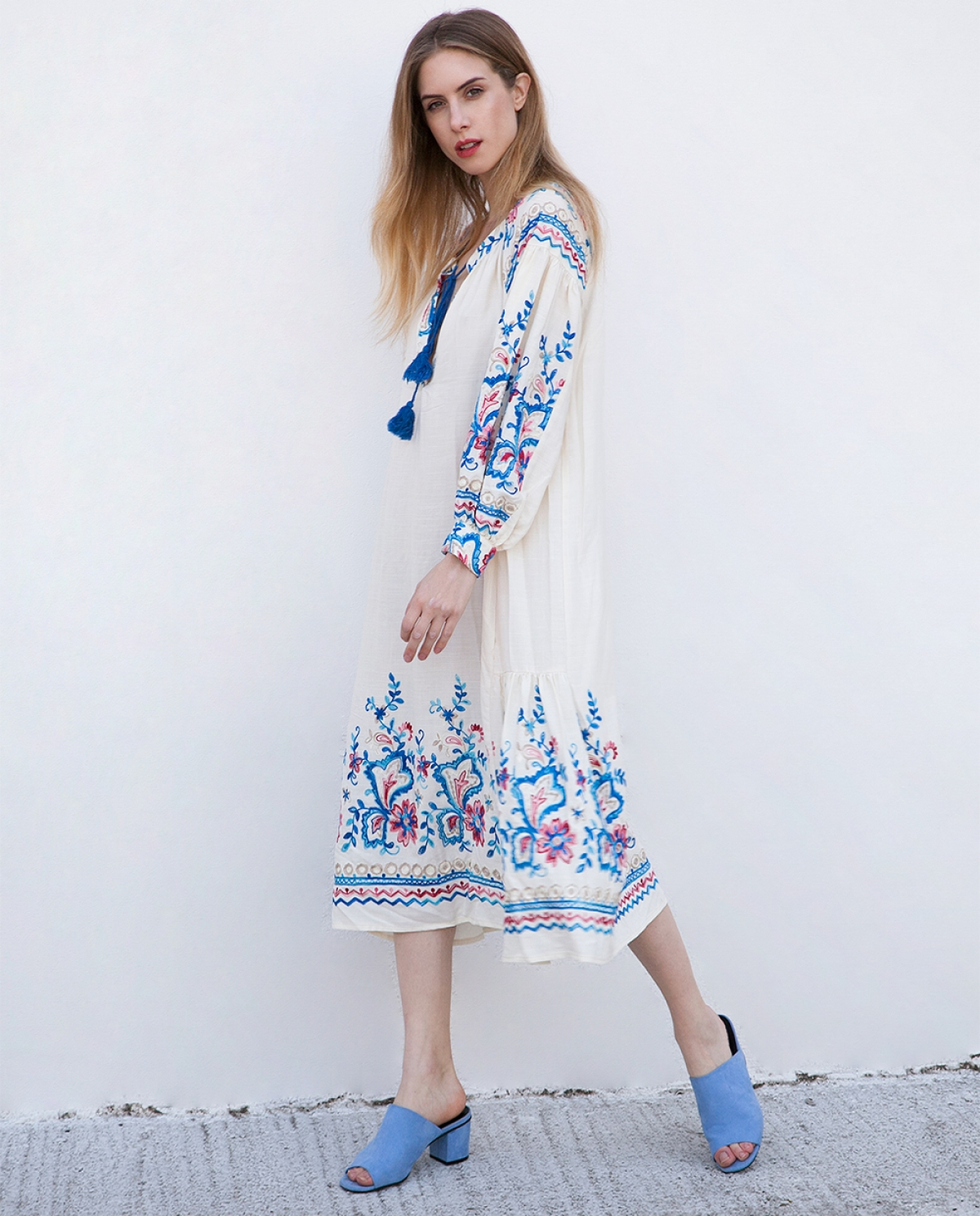Embroidered Viscose Kaftan-dress