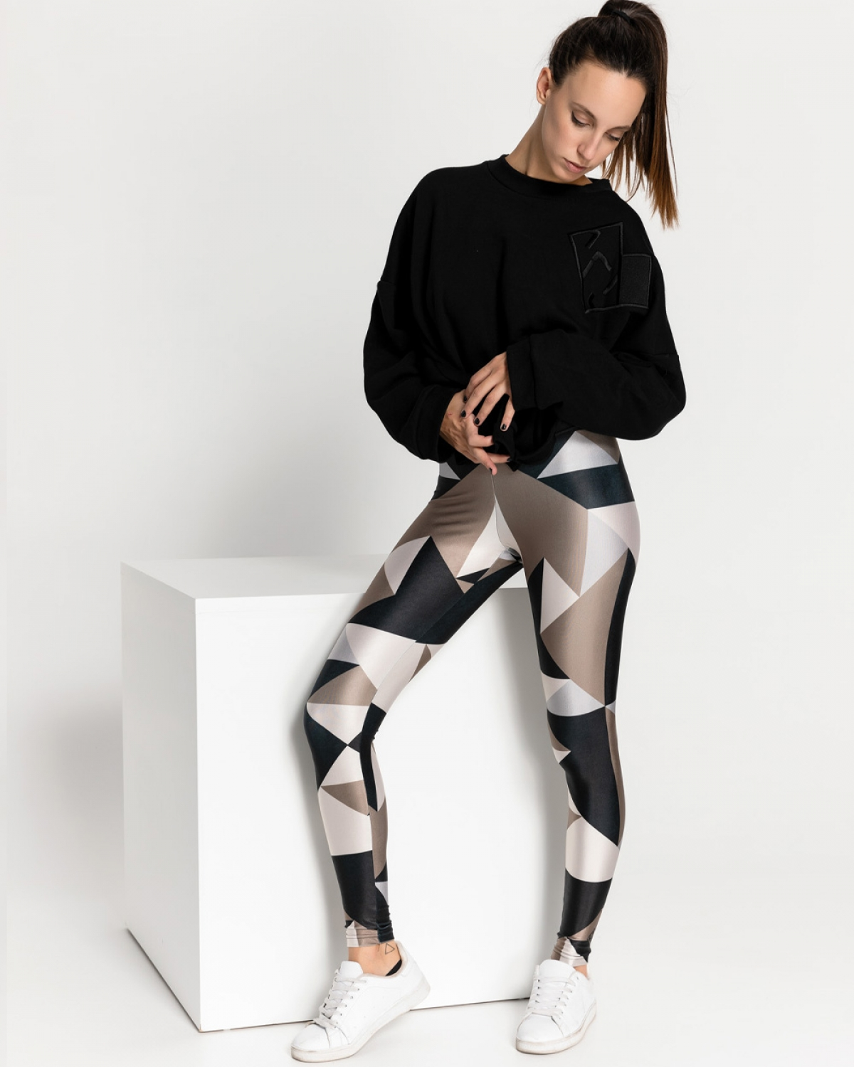 Geometric Tagram Coffee Leggings