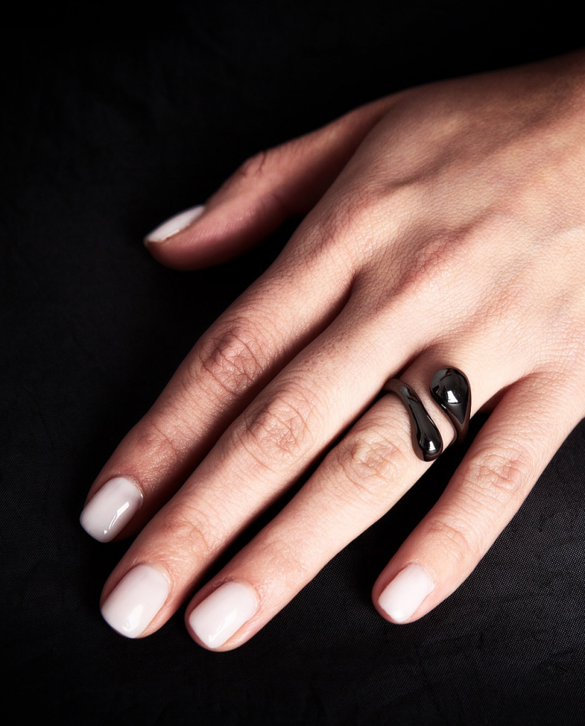 Lacrima Shadow Black Ring