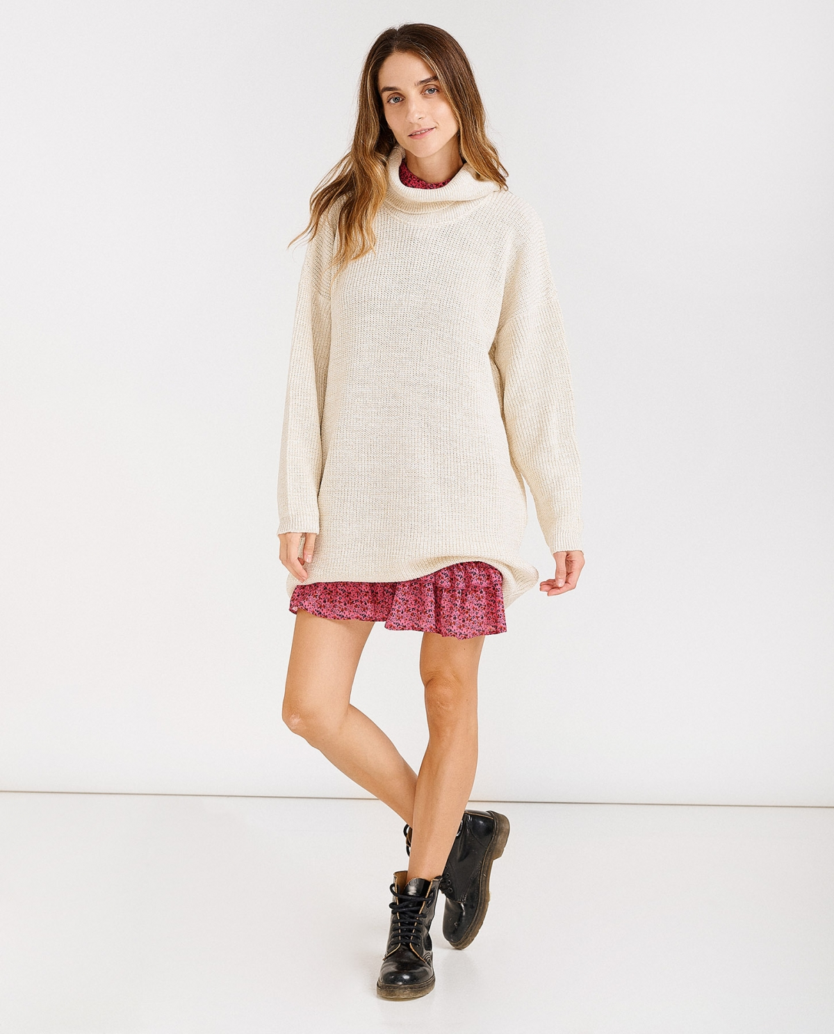 Loose Turtleneck Beige Lurex Sweater