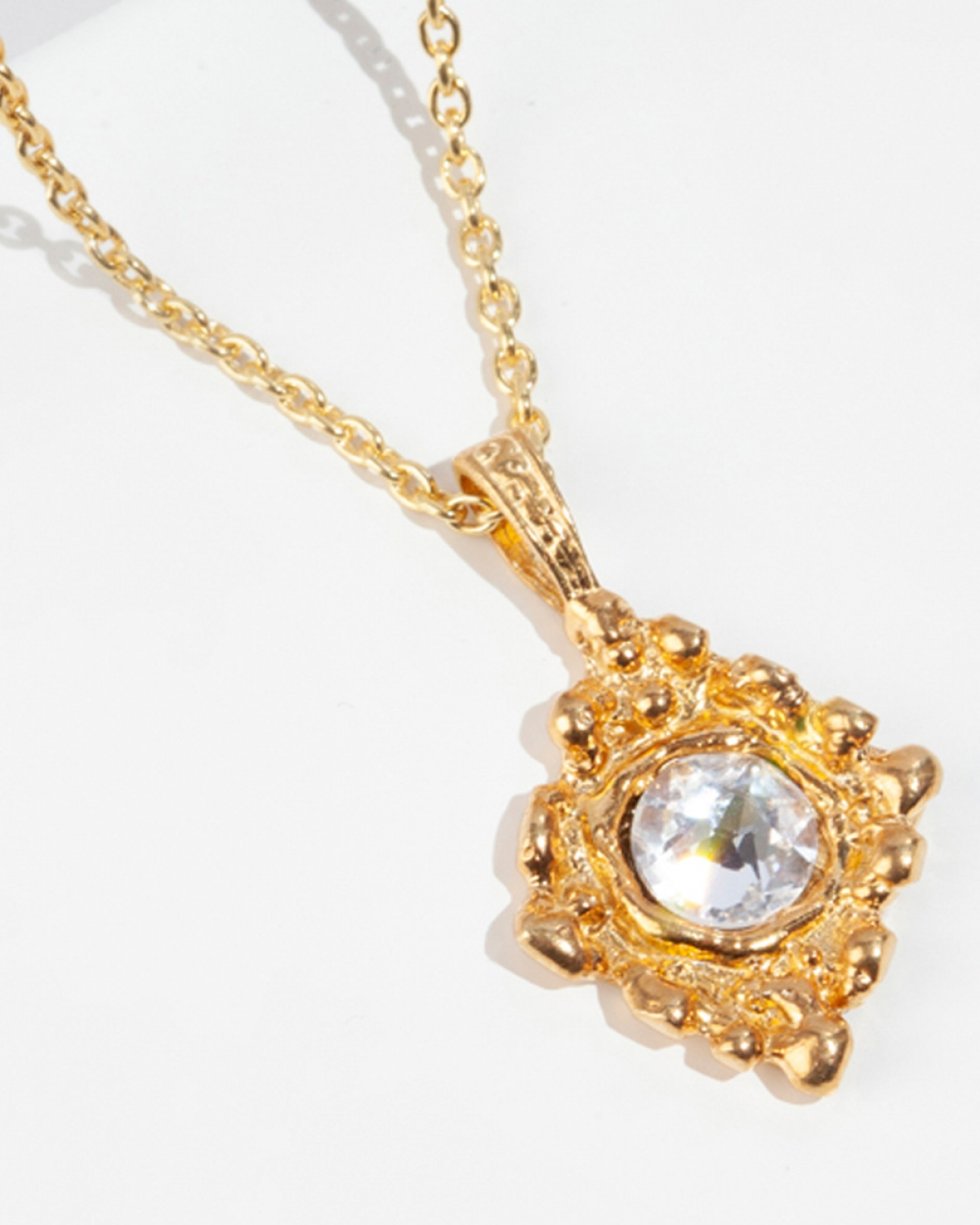 MUSCA Gold Pendant/Necklace
