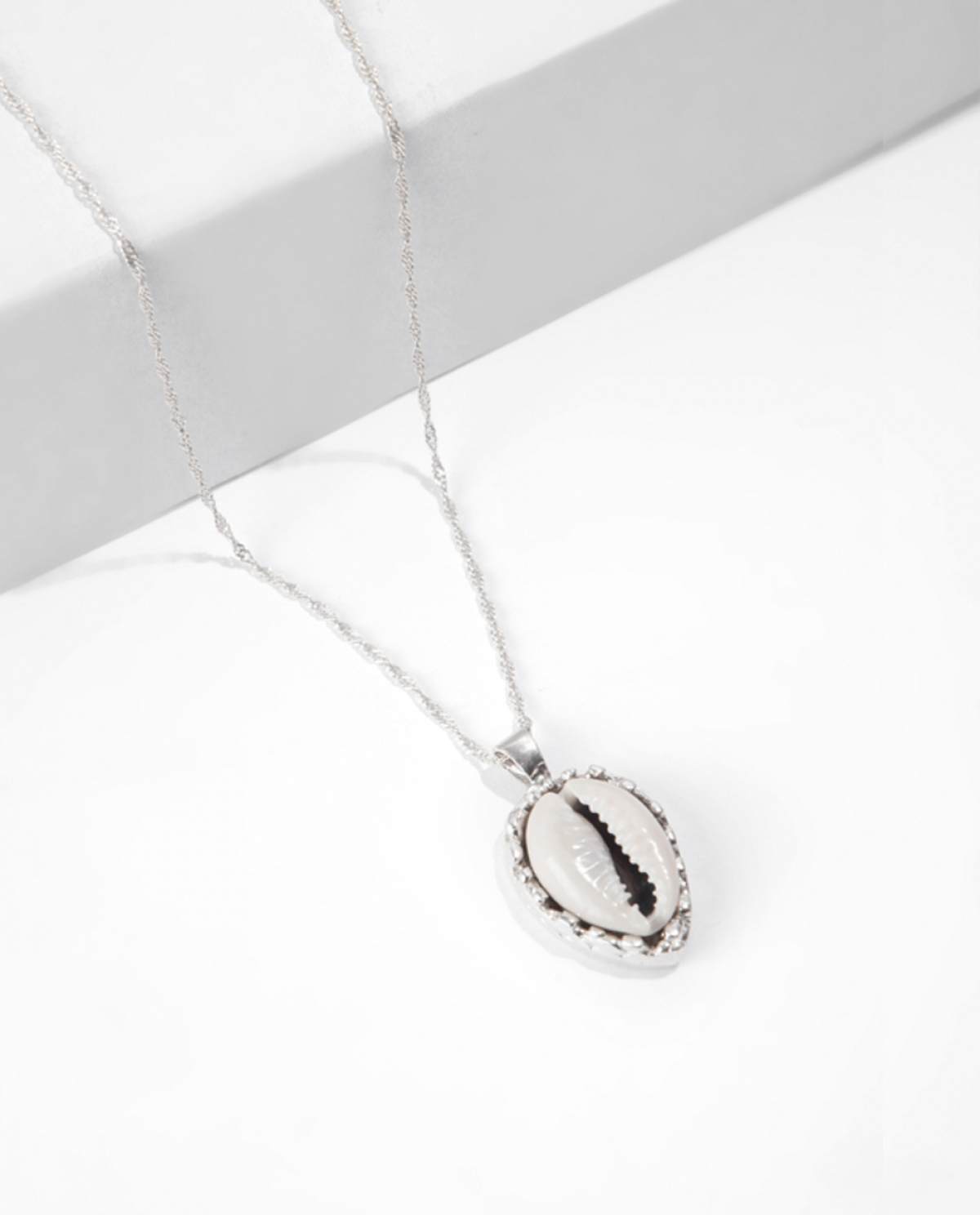SALINE Silver Shell Pendant