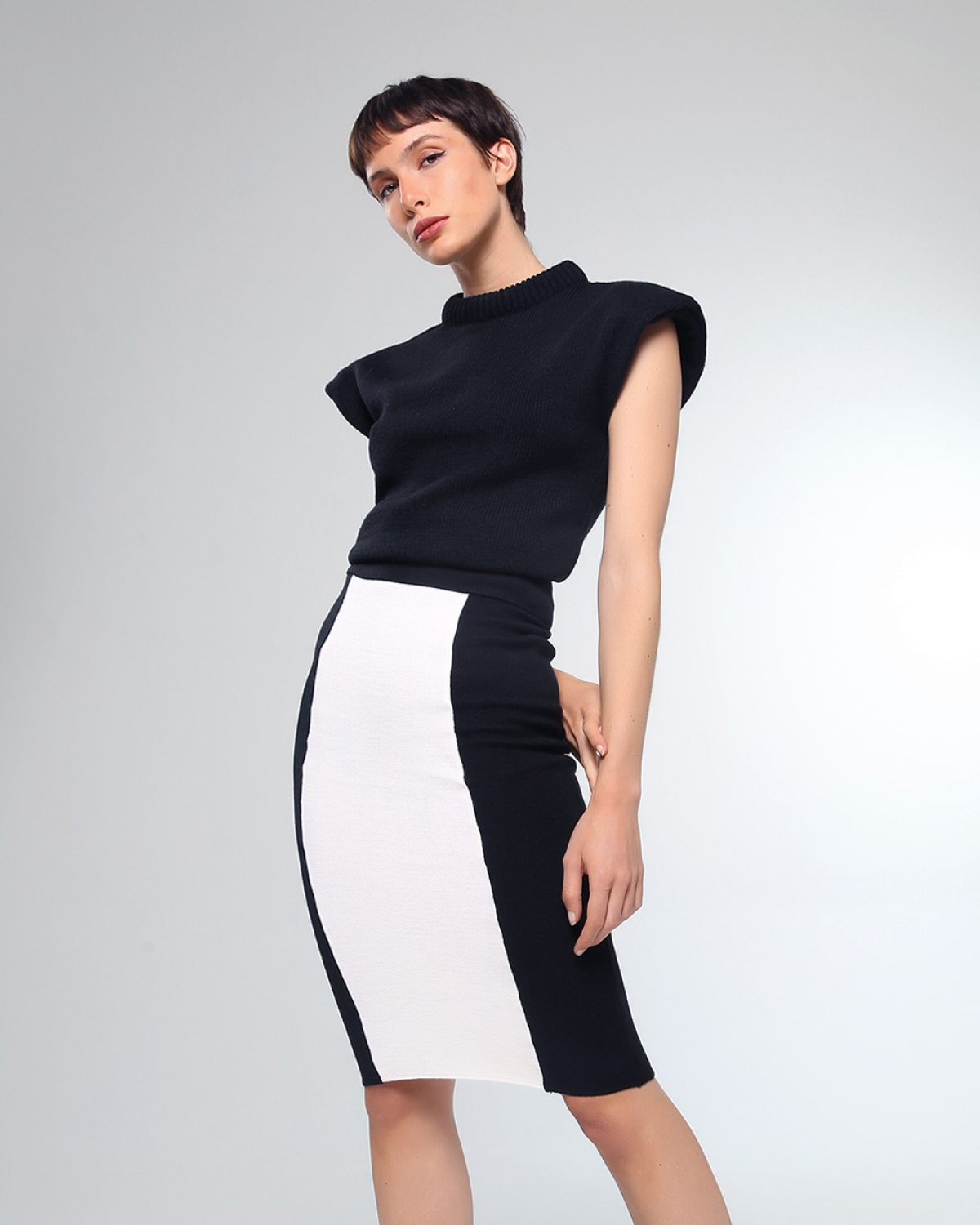Siena Midi Knitted Black Skirt
