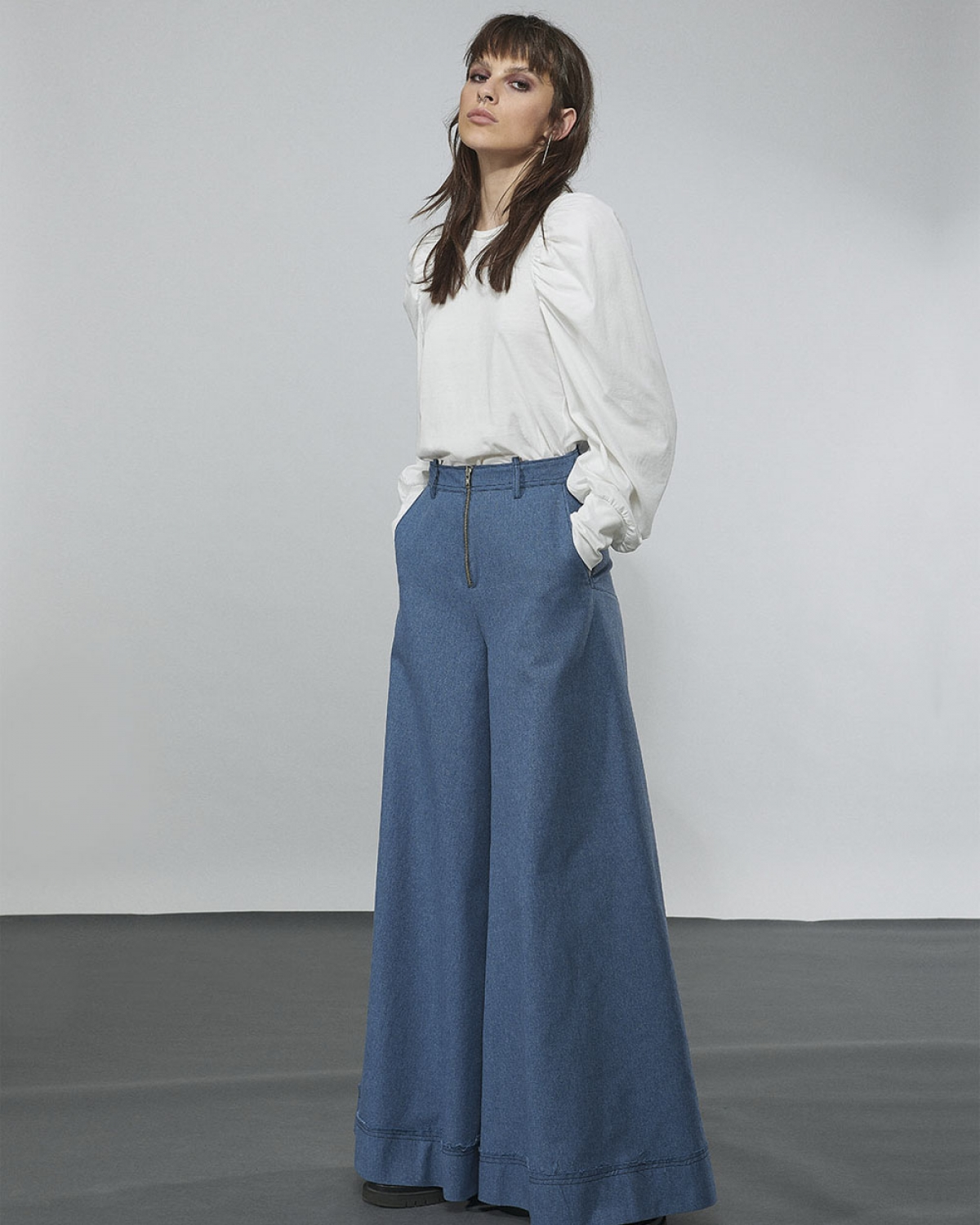 Top With Gathered Sleeves White