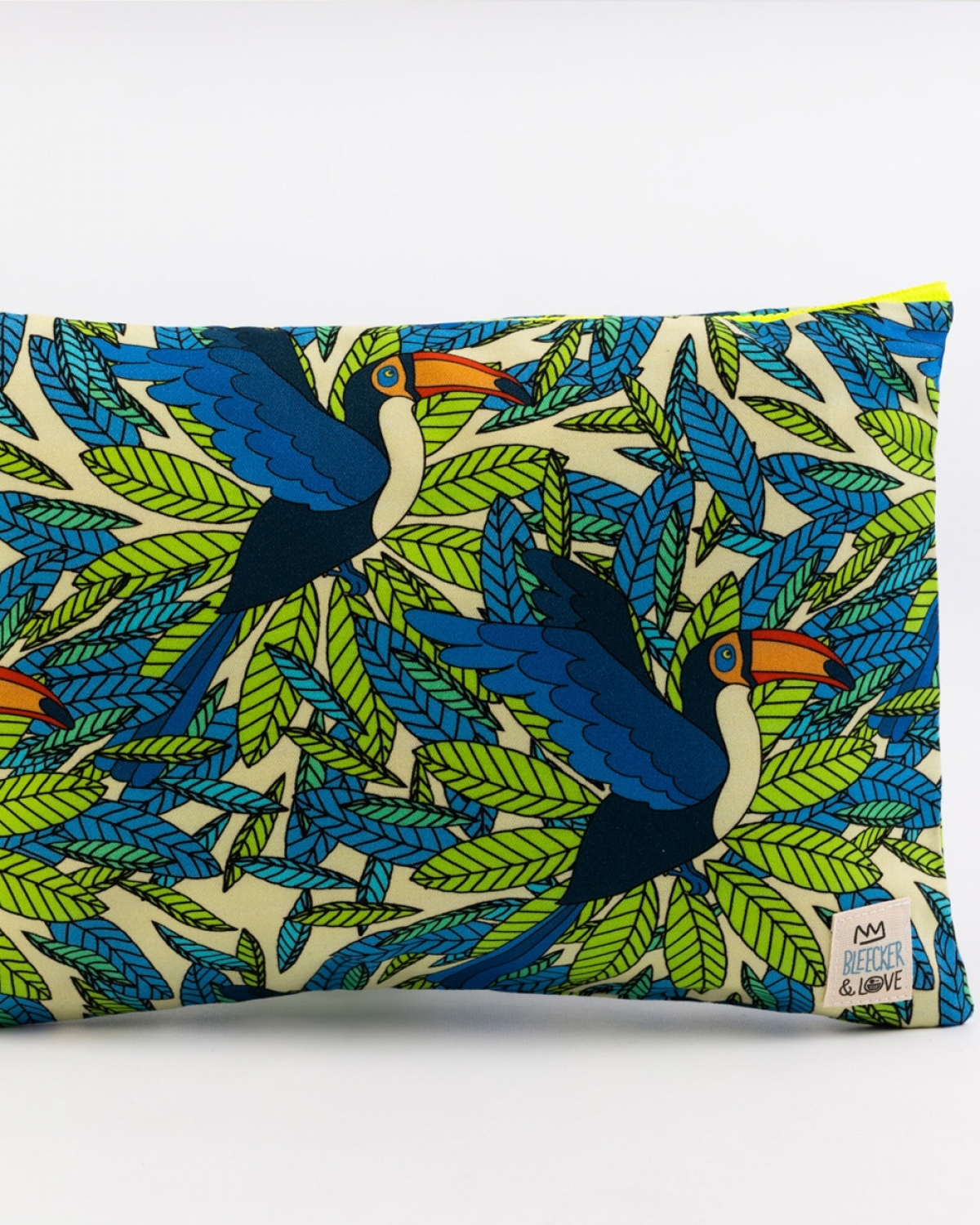 Tucan Medium Clutch
