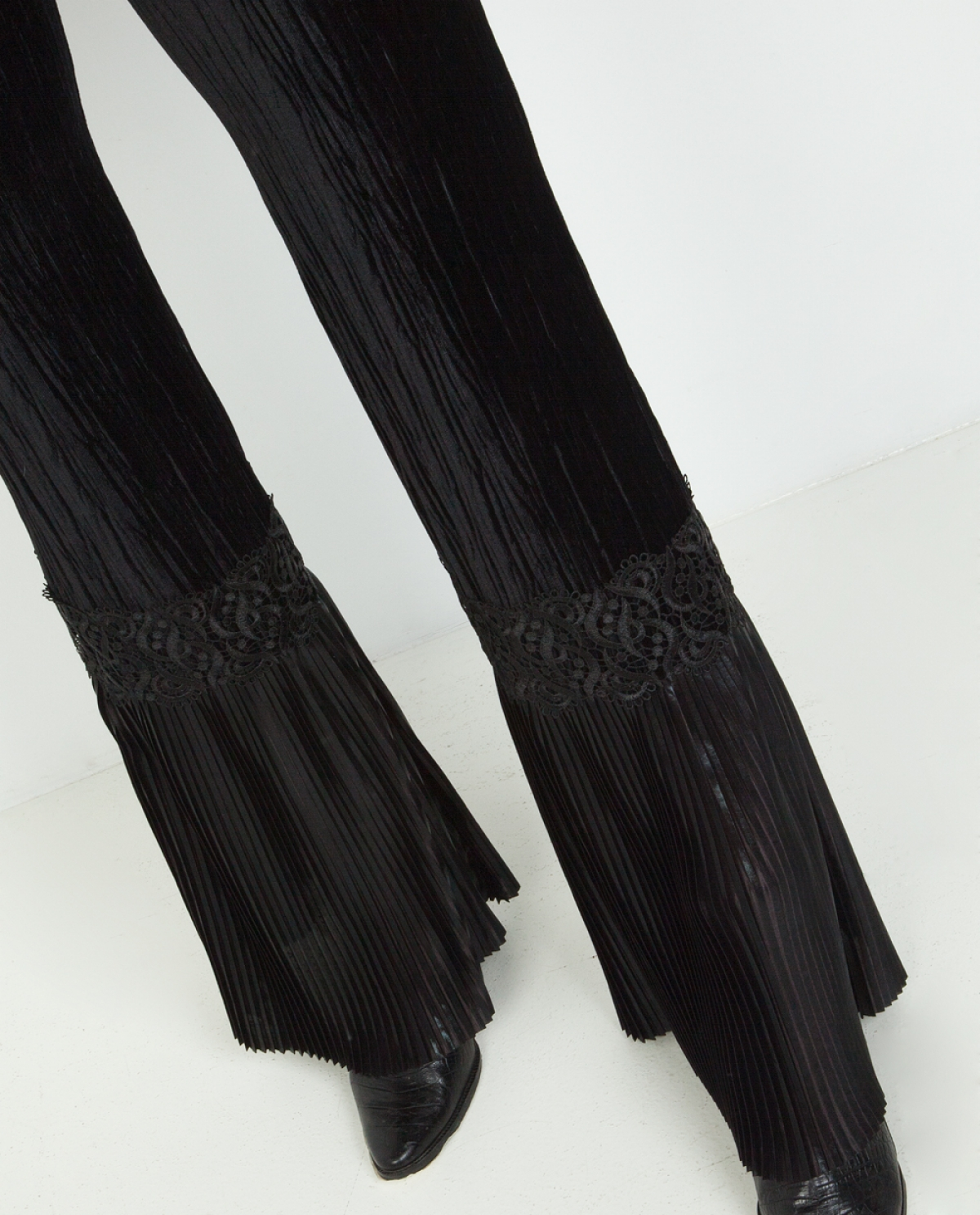 Velvet Lace-embellished Wide-leg Trousers