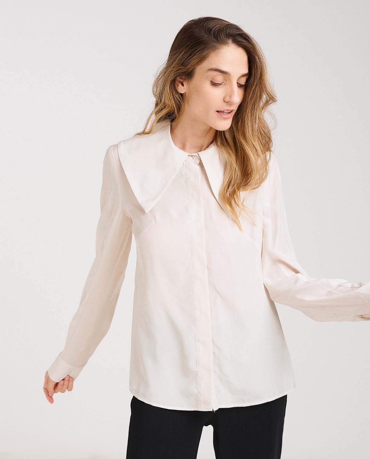 Wide-Collar Shirt